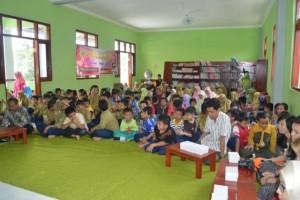 students-600x399