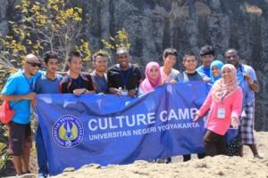 Mahasiswa Internasional Menikmati Alam Gunung Kidul